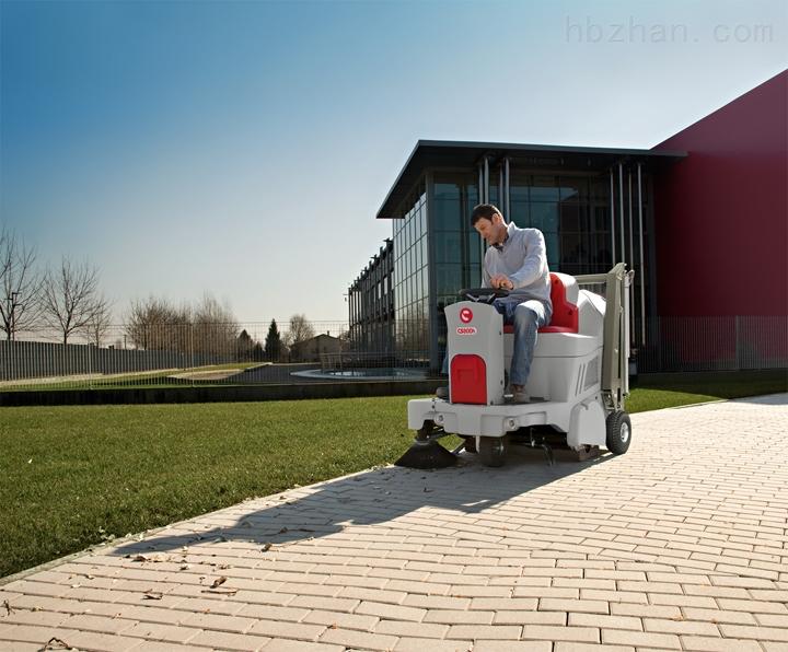 野外工作驾驶式自动扫地机哪里有卖的